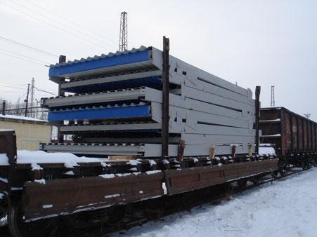 Отгрузка складных зданий СКЗ на ж.д платформе